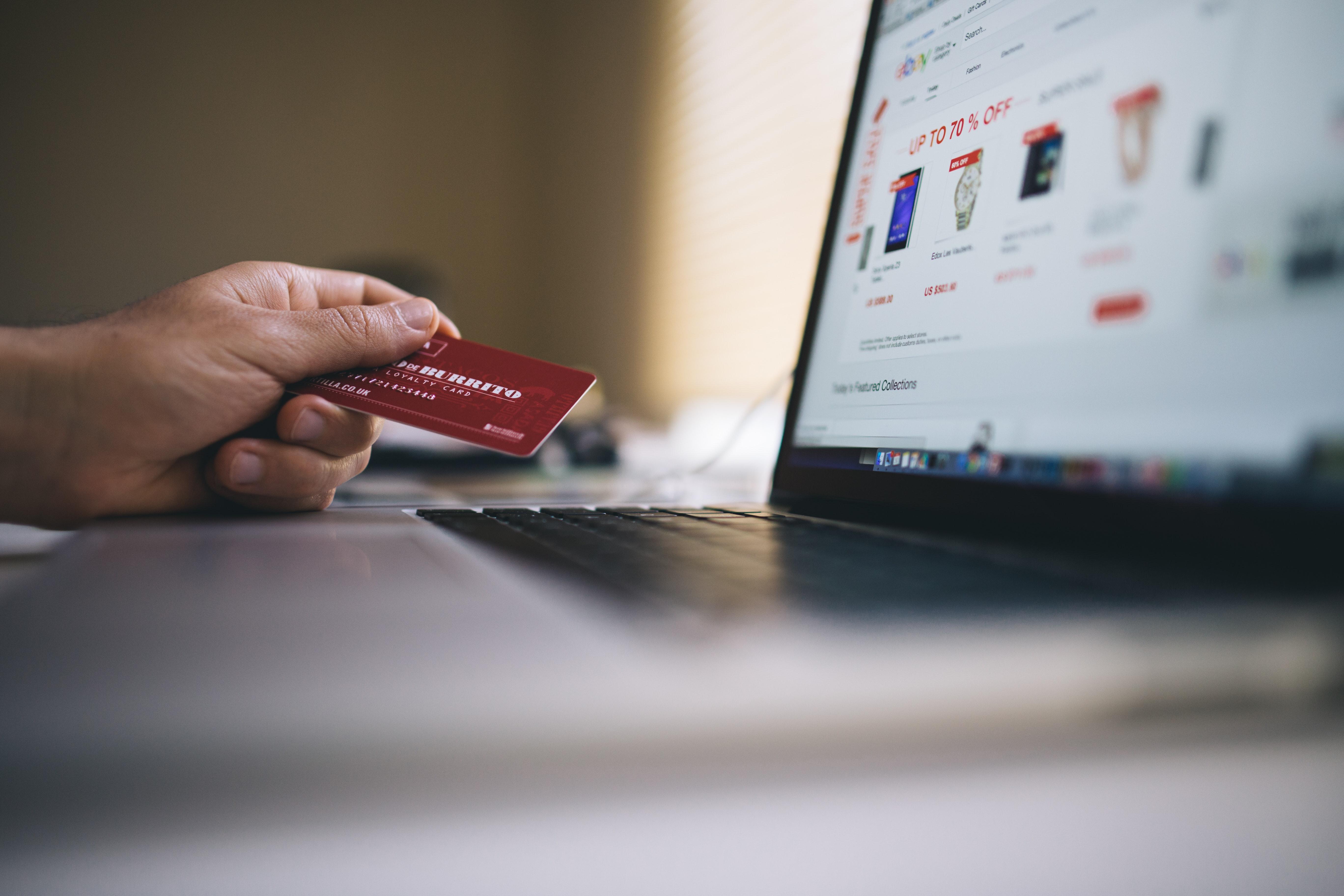 Quali sono i fattori che determinano le nostre scelte consumistiche?